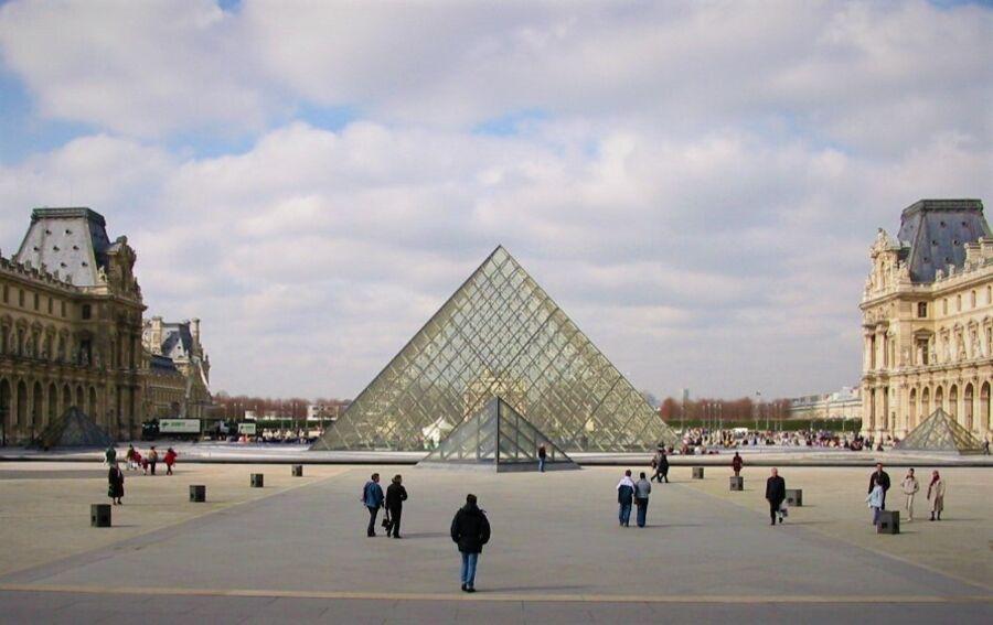 Foto af Louvre